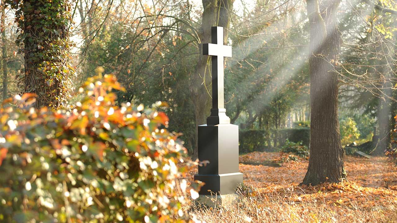 Grabdenkmal Bestattungshaus Behrens-Funke Bad Zwischenahn